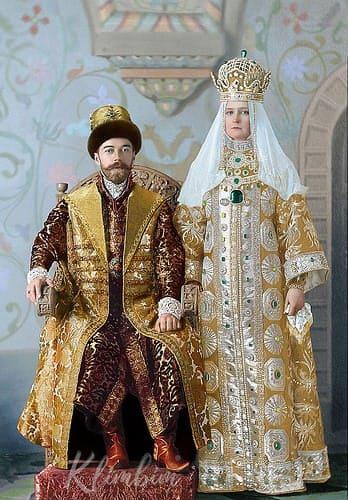 Николай Александрович и Александра Фёдоровна на костюмированном балу. 1903 г.